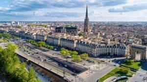 bordeaux 300x169 - Investir à Bordeaux : ville prisée par les investisseurs locatifs
