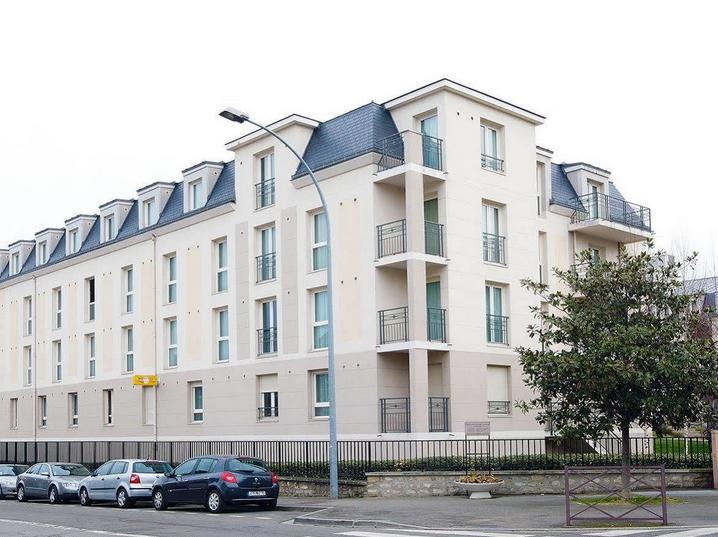 PARIS POISSY – Réf. : 364