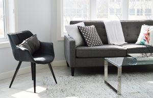 living room 2155376 1920 300x193 - La location meublée, pourquoi ?