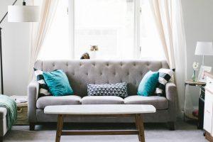 living room 2569325 1920 1 300x200 - Après la défisc, pensez à la location meublée !
